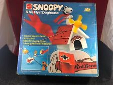 Brand New Sealed  Mattel Charlie Brown Snoopy & His Flyin' Doghouse VertiBird