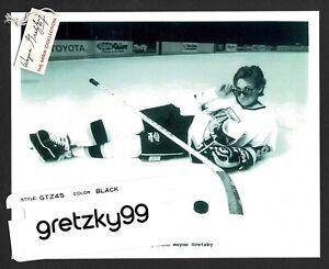 1989 Mira Sunglasses Kings' Wayne Gretzky Spokesperson Release Folder