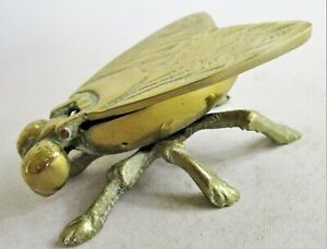 Charming Brass Fly Ashtray / Pin Dish with Hinged Wings. 8cm long
