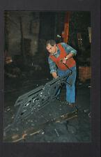 FRETEVAL 41 : FONDERIE / MOULEUR-MAIN , OUVRIER au travail en 1996