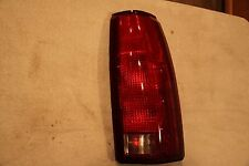 Replacement Eagle Eyes GM080-B000R Right Tail Light For C1500 K2500 C3500 C2500