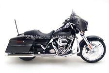 Harley Davidson Modèle 2015 Street Glide Spécial Maisto Moto 1 12