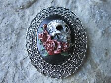 2 IN 1 - HAND PAINTED SKULL AND ROSES CAMEO SILVER BROOCH / PIN / PENDANT - GOTH