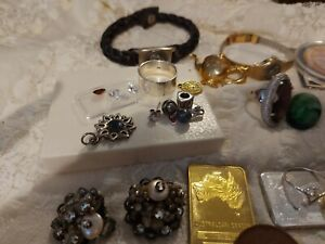 Deceased estate bulk lot vintage jewellery 925 sliver gold plated ect enjoy bids