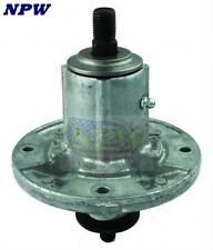 82-358 John Deere Lawn Mower Spindle Assembly AM136733
