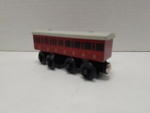 Duke & Duchess' Coach Car - Thomas & Friends Wooden Railway (Pre~Owned).