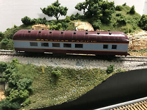 ROUNDHOUSE/MDC   Harriman Diner Candian Pacific RTR Car HO Maroon & Gray no box