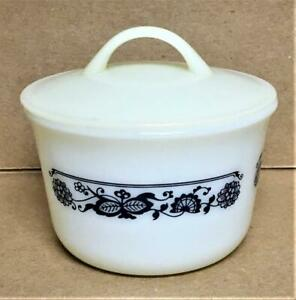 PYREX Covered Sugar Bowl OLD TOWN BLUE Corning Corelle Milk Glass Plastic Lid