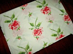VINTAGE SEARS ROEBUCK ALL OVER BIG RED PINK FLORAL (1) TWIN XL FLAT SHEET 66X96