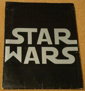 "STAR WARS - ULTRA RARE 1ST ISSUE ""Pointy W"" 1977 US press kit - 11 stills, notes"