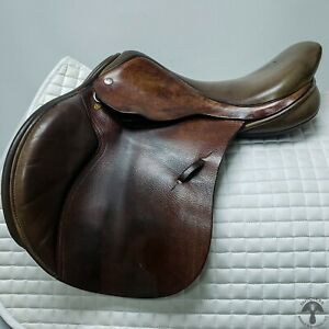 Black Country 16.5″ M Quantum Jumping Saddle