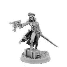 Imperial Soldier Female Commissar With Gun - 40K