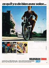 PUBLICITE  1968   VELOSOLEX  il se faufile partout