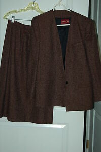 JUNIORS  SUIT MAROON  SIZE 8 / 9 sasoon fully lined wool blend