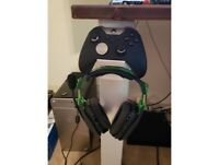Microsoft Xbox One Controller & Headset Combo Bundle Wall Stand Gamepad Mounty