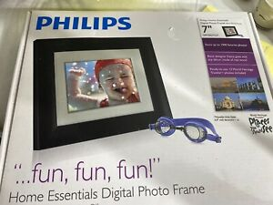Philips 7 Inch Digital Photo Frame With Black  Finish
