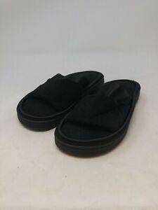 Isotoner Women's Black Slippers Size 6.5-7 US