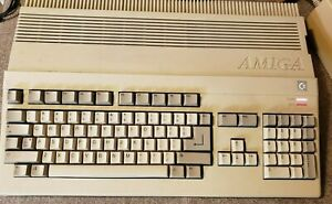 Commodore Amiga A500 System Lot Tested/Working Joystick/Mouse/Manuals