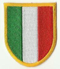 écusson ECUSSON PATCHE PATCH THERMOCOLLANT DRAPEAU ITALIE ITALY  6,1 X 5,2 CMS