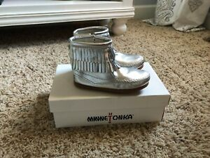Minnetonka Girl's Silver Leather Boots, Size 9 New!
