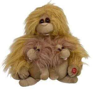PBC International Inc Monkey Trio Plays Day O Mama Monkey Head Bobs Up And Down