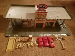 Marx Day Nite Service Center w/ Cars Pumps Figures