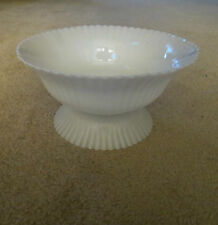 White Pedestal Swirl/Shell - Fruit - Candy - Compote / Dish / Bowl