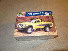 Revell Monogram Off Road Pickup Nissan Datsun 1:24 Model Kit 1998 MISB Sealed