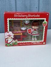New ListingNew Strawberry Shortcake Berry Bake Shoppe & Doll 9 Piece Set Boxed Sealed