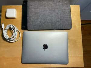 Apple MacBook A1534 12 inch Laptop - MF855LL/A (Early 2015, 256GB, 8GB RAM)