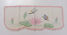 VINTAGE 1950s TABLE RUNNER BUTTERFLIES FLOWERS CROCHETED LACE TRIM PINK GREEN