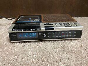 Vintage General Electric GE 7-4956B AM/FM Tape Alarm Clock Radio VFD