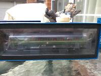 Dapol OO gauge 4D-009-001 Class 121 Bubble diesel railcar BR Green/whiskers BNIB