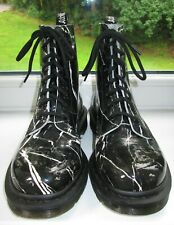DR DOC MARTENS BLACK WHITE PATTERN Size 5 38 WORN TWICE IMMACULATE CONDITION