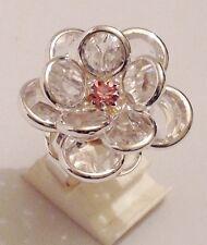 bague imposante couleur argent fleur pétale relief cristal diamant réglable