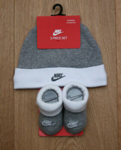Nike Baby Boy Infant Hat & Booties Set ~ Gray & White ~ 0-6 Months