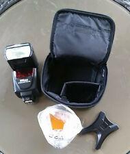 Nikon Blitzgerät SB-700 Speedlight mit allem neuem Zubehör und Nikon Tasche