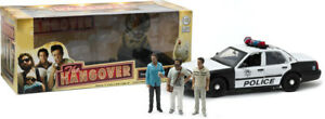 Greenlight 12911 The Hangover 2000 Ford Crown Victoria Police w/ Figures 1:18