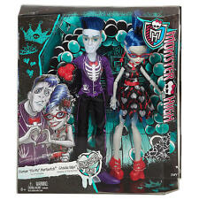"""Monster High Love's Not Dead Ghoulia Yelps & Sloman """"Slo Mo"""" Mortavitch Dolls"""