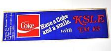 Coca Cola Coke Aufkleber 28 x 8 cm USA 1983 Sticker Decal - KSLE FM 105