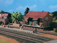 SH Vollmer 45701 Güterschuppen mit Seitenrampe u. Ladekran Bausatz 5701