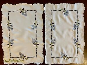 2 BEAUTIFUL PURE WHITE EMBROIDERY FLOWERED TABLE MAT/CLOTH -LOVELY CON'D
