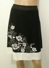 ANN TAYLOR Petite Skirt Black White Embroidered of Flower Sz 4P Mix Fabric