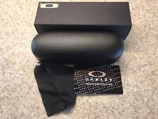 Oakley Hard Case W/cleaning Cloth And Box Eyeglasses Sunglasses NIB