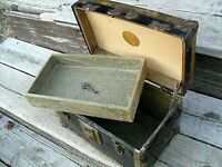 OLD ANTIQUE CHILDS TOY DOLL TRUNK CHEST VICTORIAN PAPER LINING W/ SHELF & KEY