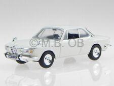 BMW 2000 CS 1966 creme white diecast model car CLC257 IXO 1/43