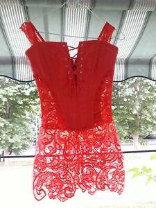 corset rouge avec de la dentelle,neuf jamais portee