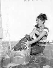 ELIZABETH TAYLOR 8x10 YOUNG LIZ WASHING DOG PHOTO