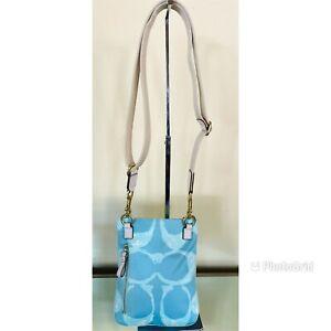 coach signature canvas f10801 blue/cream crossbody/messenger bag