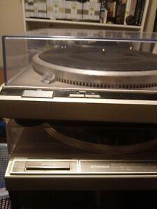 Vintage Technics SL-Q2 Turntable direct drive+ Shure cartridge read discription